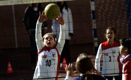 Voleibol: Ya se conocen dos semifinalistas de la categoría benjamín