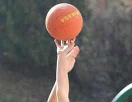 Baloncesto: Los benjamines de Bristol y Santa María del Pilar B compiten por el liderato