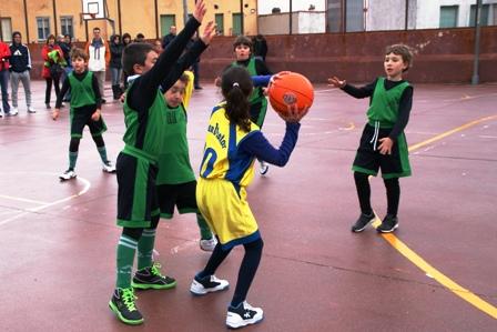 Baloncesto: ocho equipos infantiles empiezan su carrera hacia el podio
