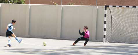 Apretada victoria de Paraíso Sagrados Corazones en baloncesto, y cómoda goleada de Colegio de Jesús en futsal