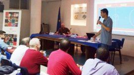 Roberto Gracia instruyó a los árbitros de fútbol sala en el curso anual de ECM