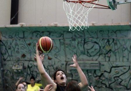 En baloncesto, los equipos canarios no dieron opción a sus rivales