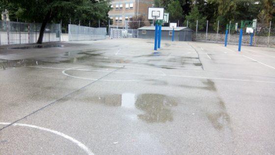 La lluvia obligó a aplazar muchos partidos