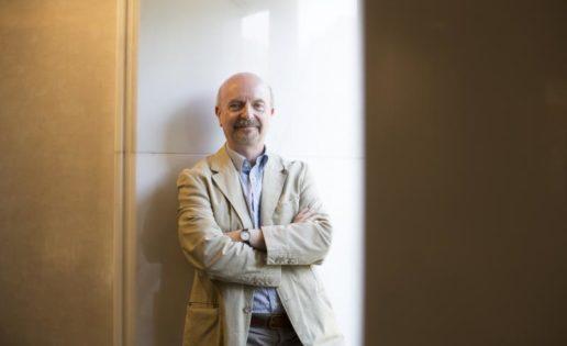 Víctor de Lorenzo: «Los genes y el metabolismo son como los políticos y la economía»