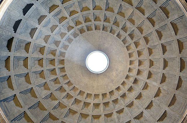Interior del impresionante Panteón de Roma (Livioandronico2013)