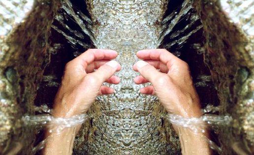 Lavarse las manos disminuye el remordimiento
