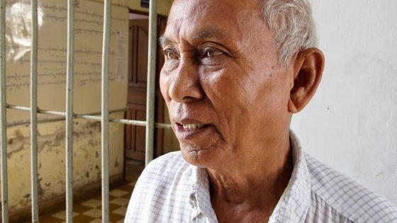 Un día con el único superviviente vivo del Auschwitz de Camboya