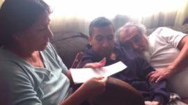 Un hijo paga la hipoteca de sus padres por Navidad