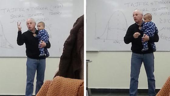 Bebé de una alumna comenzó a llorar en clase y la espontánea reacción del profesor