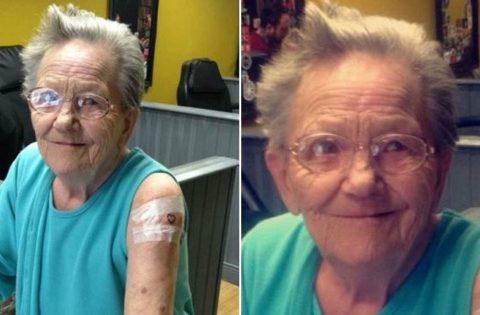 Una abuela con 79 años se escapa del asilo para hacerse un tatuaje