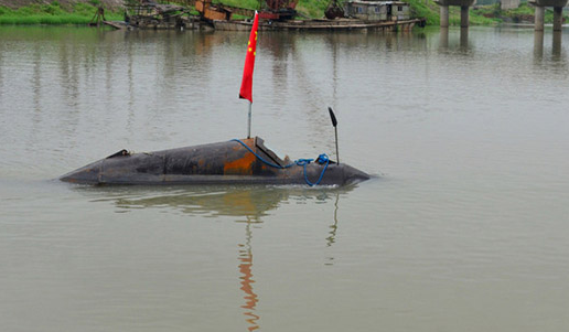 Un hombre chino construye su propio submarino con 670 euros