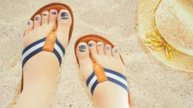 Las medias con uñas pintadas son la última moda en Japón