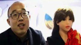 Un ingeniero chino construye una mujer robot y se casa con ella