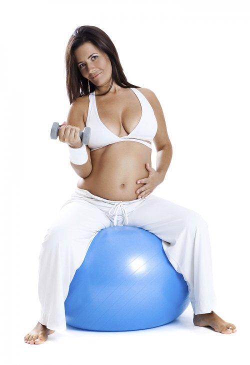Embarazadas y ejercicios recomendados (I) - EAT FIT  1dc18573e470