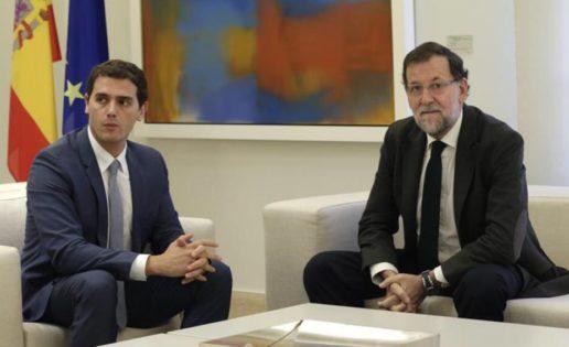 Los tuits de Rivera contra Rajoy