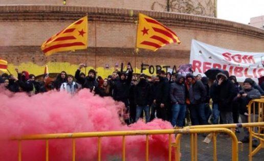 Los que ridiculizan el patriotismo español
