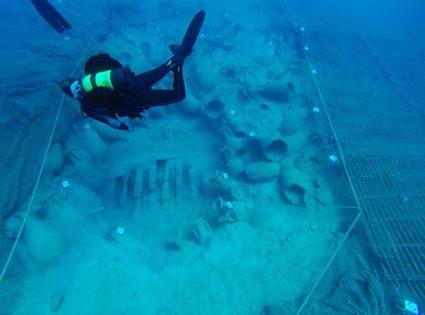 El pecio romano del Bou Ferrer, 2.000 años de viaje submarino