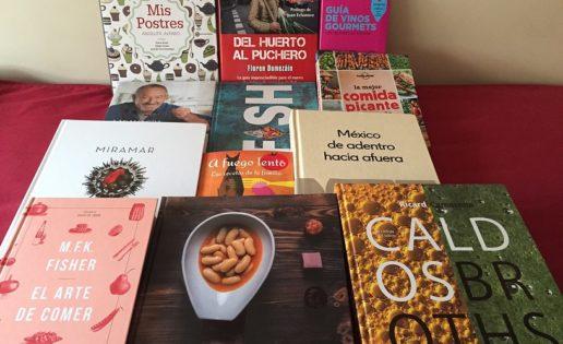Doce libros gastronómicos para regalar (o leer)