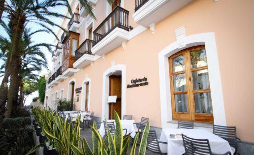 Ibiza. Un hotel de lujo, un gastrobar y un bullit de peix
