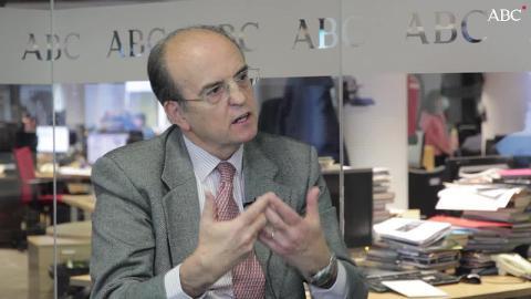 Santiago Álvarez de Mon: «El drama del populismo es que te engatusa a corto plazo»