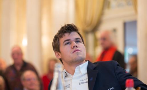 Carlsen sufre en el ajedrez rápido