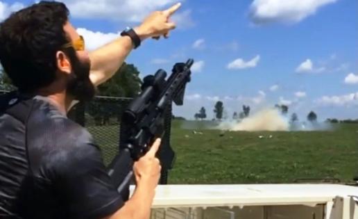 Dan Bilzerian, rey de Instagram, detenido por tener material explosivo