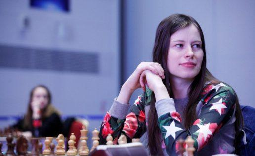 Natalia Pogonina gasta otra vida