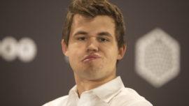 ¿Cómo reacciona Carlsen cuando pierde una partida?