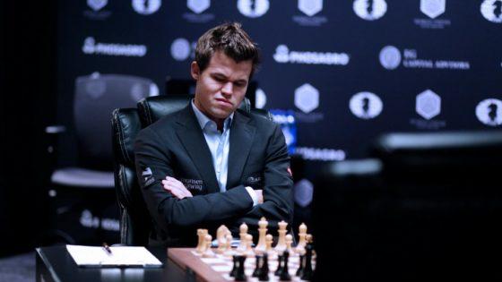Magnus Carlsen, castigado por no atender a la prensa tras su derrota