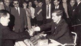 Muere el sacerdote y ajedrecista William Lombardy, la única ayuda de Fischer contra Spassky