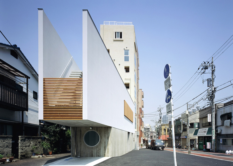 Switch-restaurant-and-residence-by-Apollo-Architects_dezeen_ss_3-1