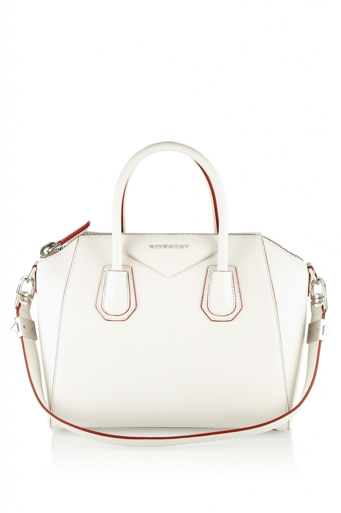 GIVENCHYSMALLANTIGONABAGIN WHITEGRAINEDLEAEU1,450NET