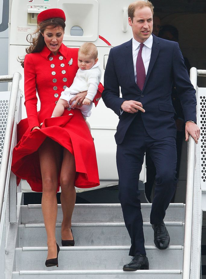 Prince-William-Prince-George-and-Kate-Middleton-arrive-at-Wellington-Airport