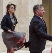 Rania, falda al vuelo