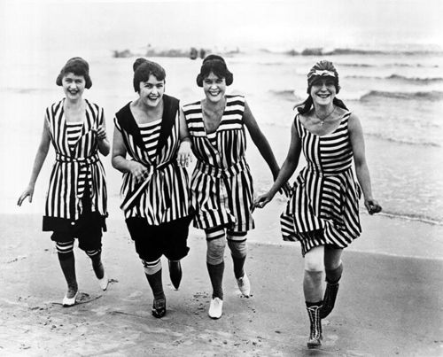 traje de bano femenino historia