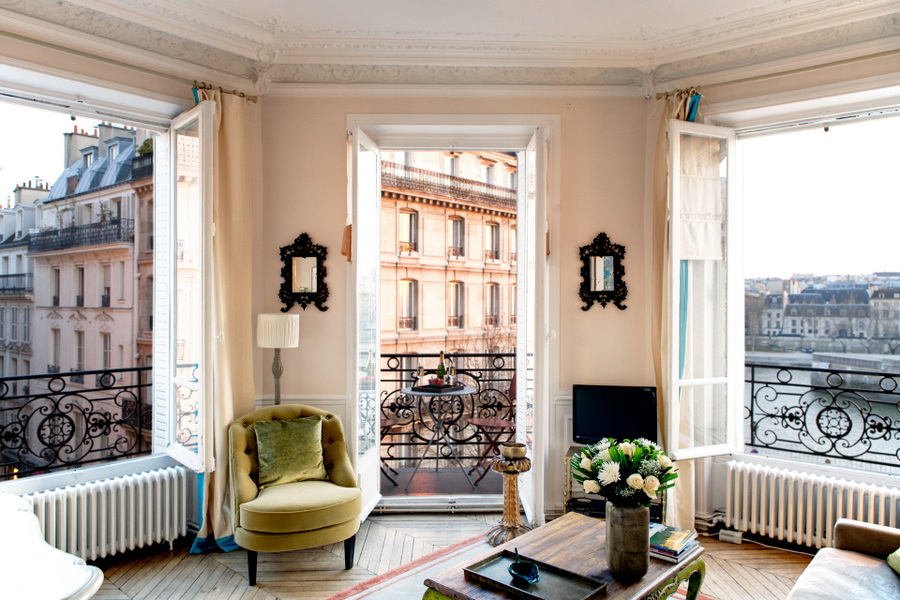 158-paris-apartment-rent2-bedrooms-notre-dame-ile-st-louis-saint-louis-bourbon-2bdr-1ba-private-homes-14