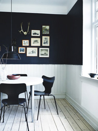 black-and-white-breakfast-nook