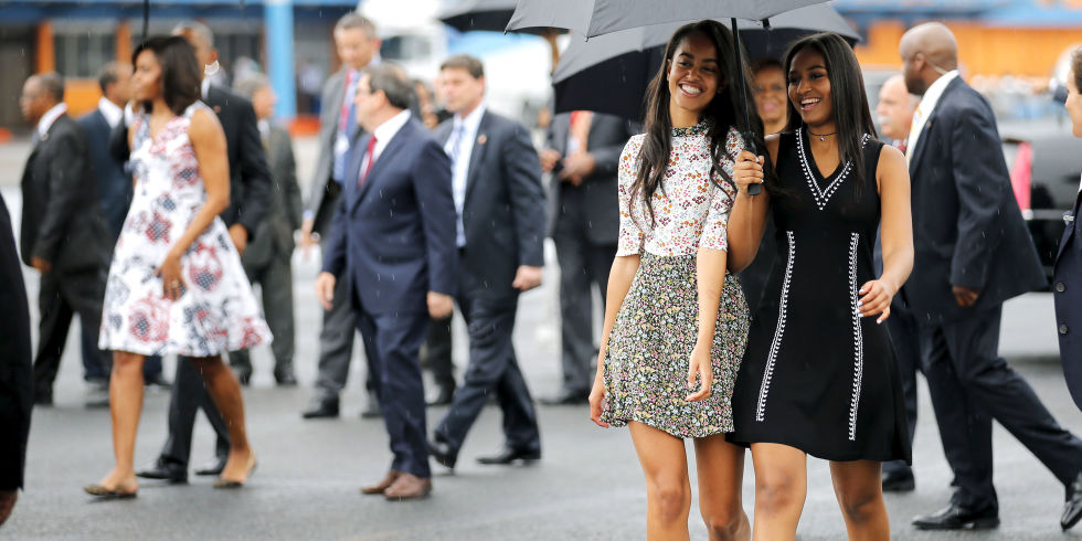 landscape-1458576694-hbz-sasha-malia-obama-index