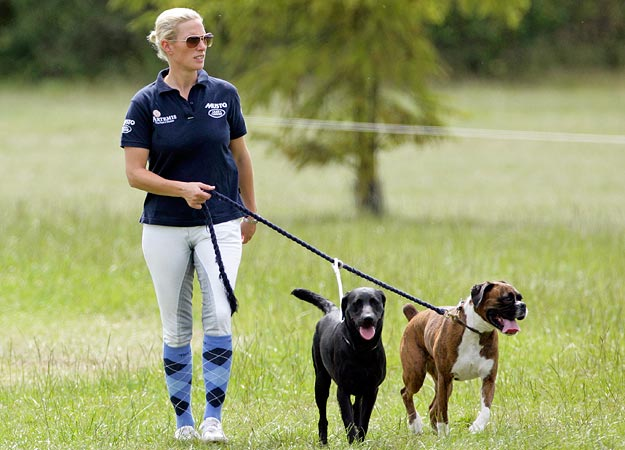 British-Royal-Zara-Phillips-with-Pet-Dogs