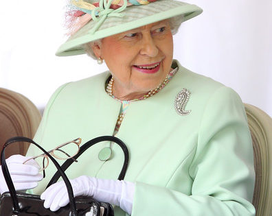 Los bolsos de Isabel II