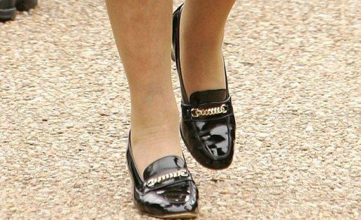 Los zapatos de Isabel II