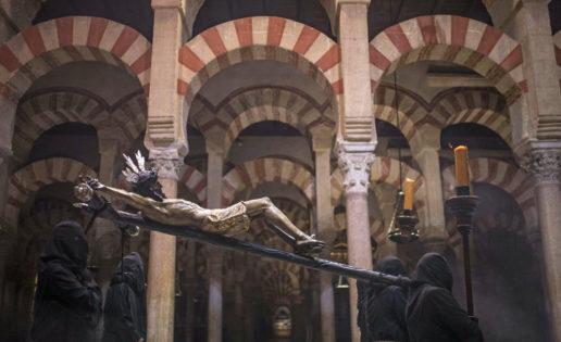 Embrujo y recogimiento en la Semana Santa de Córdoba