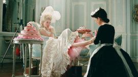 Los Manolos, Maria Antonieta y Carrie Bradshaw, al museo