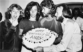 Andy Gibb, el pequeño de los Bee Gees