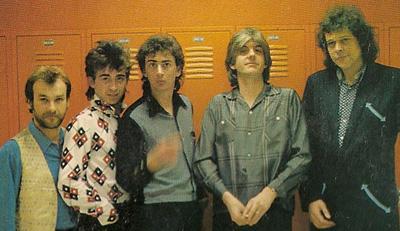 Muere Bobby Irwin, fabuloso batería de Nick Lowe