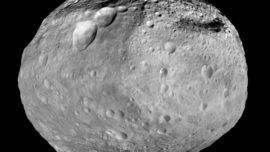 El asteroide que impactó tres veces