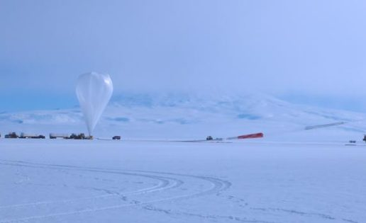 Detectan extrañas partículas surgiendo de los hielos de la Antártida