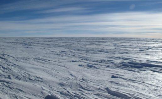 Descubren «algo muy caliente» bajo los hielos de la Antártida