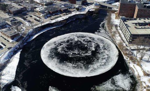 Aparece un círculo perfecto de hielo de casi cien metros en un río de Estados Unidos