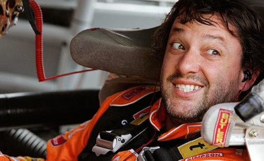 Tony Stewart atropella mortalmente a Kevin Ward en una carrera de automovilismo